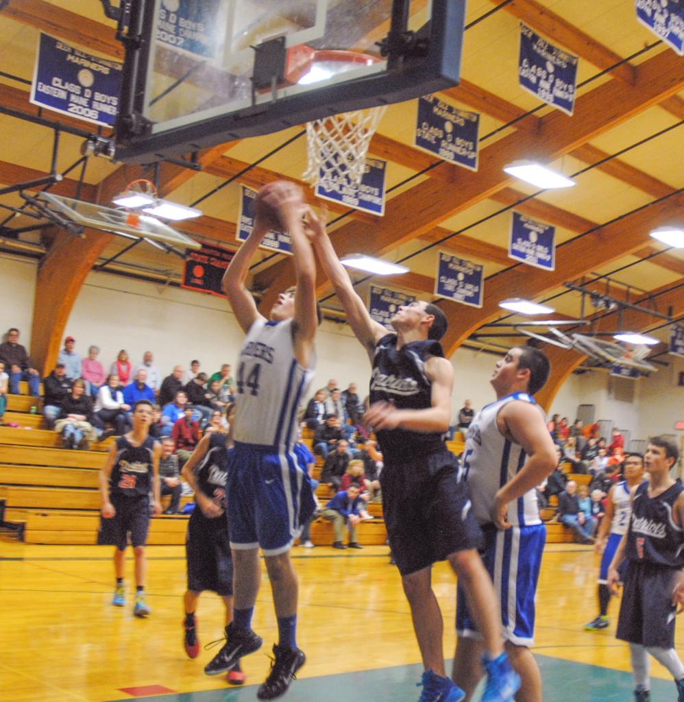 Mason Oliver grabs the rebound