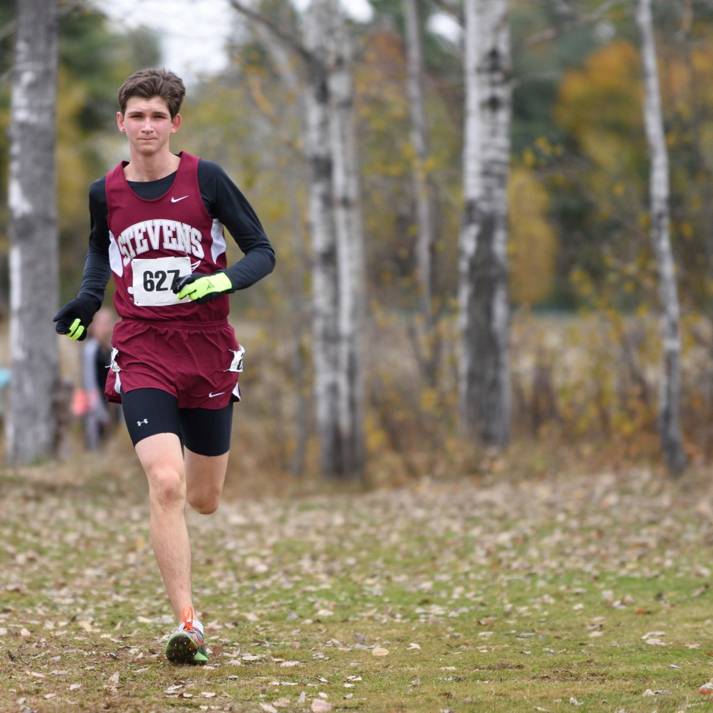 John Hassett takes 1st place in the Class C 2015 Northern Regional Cross Country Championships. Photo by Franklin Brown
