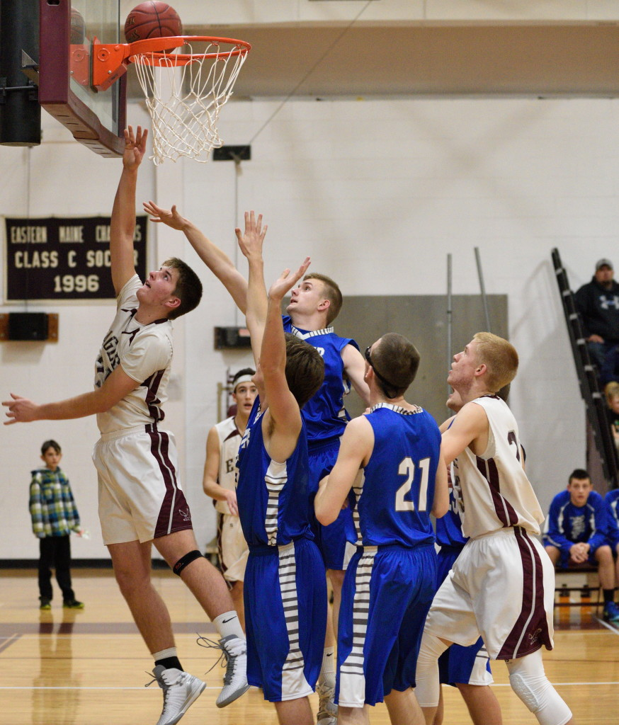 Nick Szwez goes for a layup against Sumner. Photo by Franklin Brown
