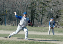 Mariner Ethan Shepard throws